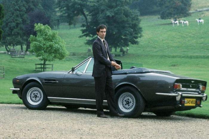 Крутой и стильный автомобиль.