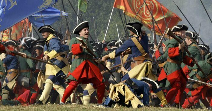 Долгое время солдатам вообще не полагались сапоги, носили суконные гетры. |Фото: yandex.tm.