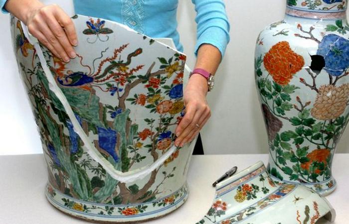 Нет перил плюс развязный шнурок: прощай китайские вазы династии Цин.