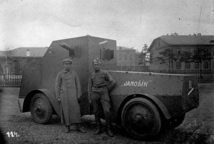 Первый полноприводный бронеавтомобиль Джеффери — Поплавко.