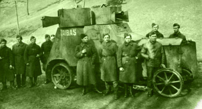 Лёгкий пулемётный автомобиль Фиат-Ижора.