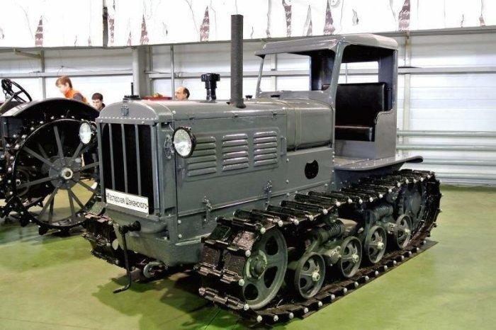За основу взяли обычный трактор. |Фото: fishki.net.