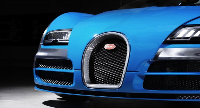 Радиаторная решётка Bugatti Veyron.