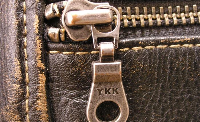 Можно часто увидеть вот такие три буквы. |Фото: cafe.se.