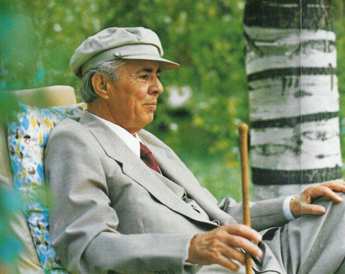 Ходжа управлял Албанией 40 лет. |Фото: Pinterest.