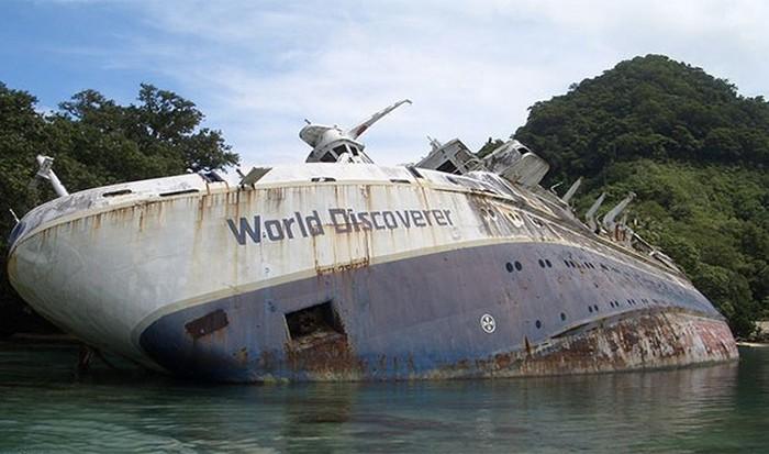 Заброшенное круизное судно.