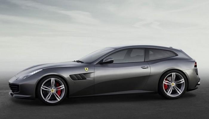 Автомобиль Ferrari GTC4Lusso.