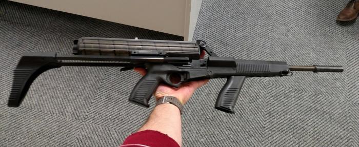 В разложенном виде с магазином на 100 патронов. |Фото: facepunch.com.