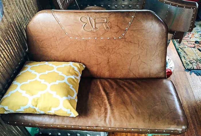 Очень удобные кресла.