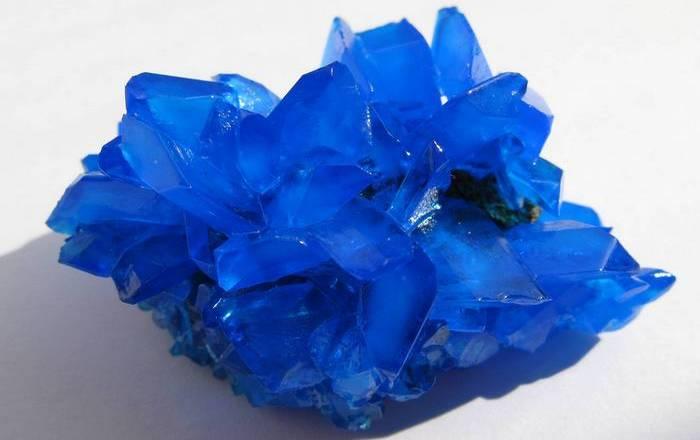 Халькантит - минерал, убивающий всё живое.