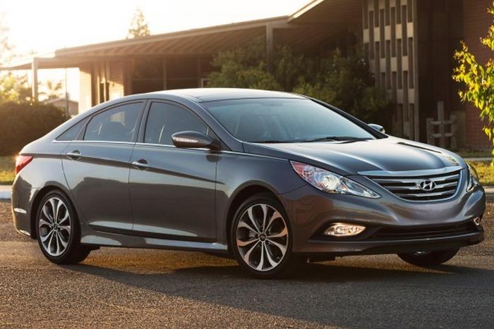 Автомобиль Hyundai Sonata.