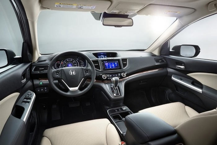 Салон автомобиля Honda CR-V.