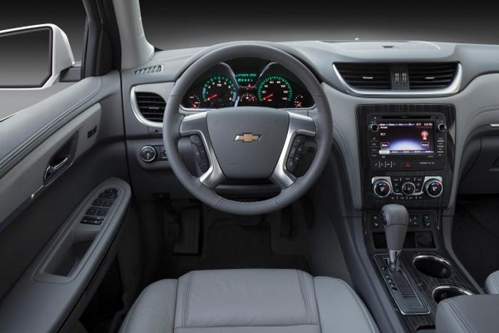 Салон автомобиля Chevrolet Traverse.