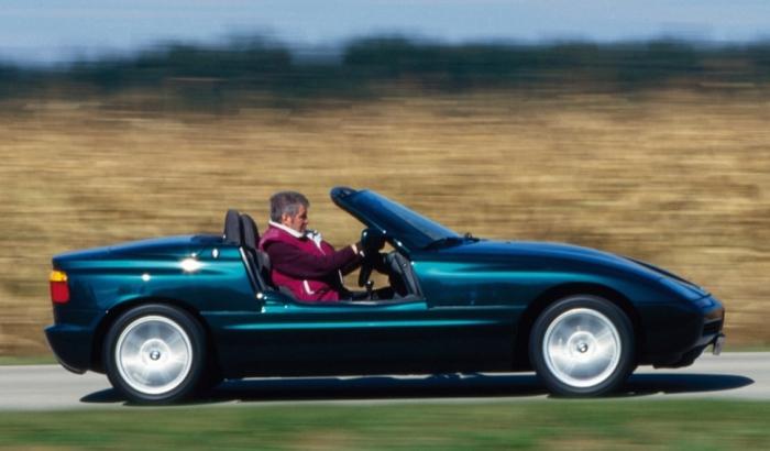 BMW Z1 - авто с раздвижными дверьми.