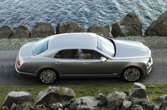 Bentley Mulsanne - очень удобная машина.