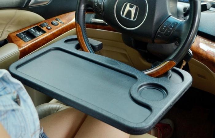 Автомобильный гаджет: 2-х сторонний стол на руль.