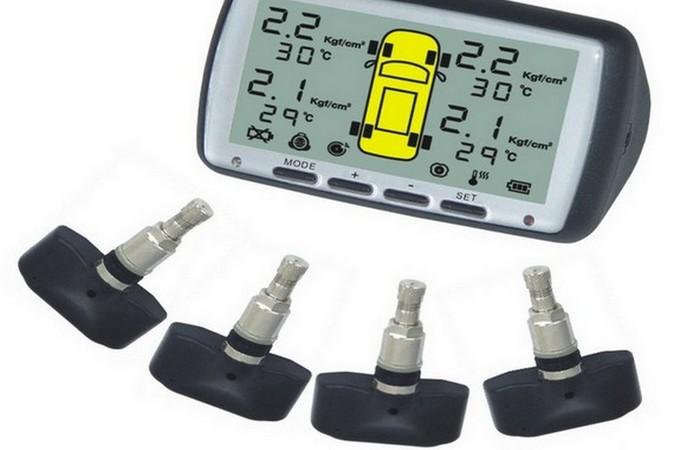 Автомобильный гаджет для контроля давления шин.