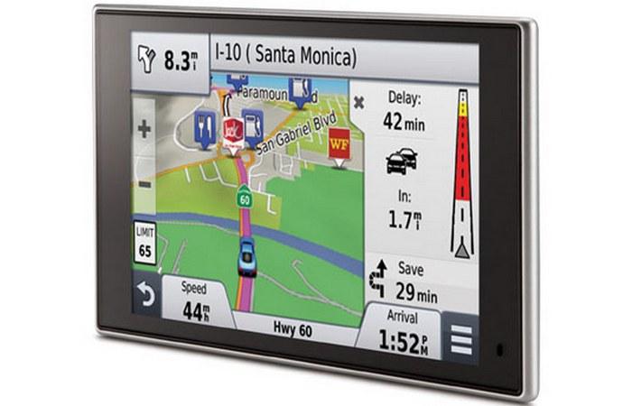 Автомобильный гаджет: навигатор Garmin.