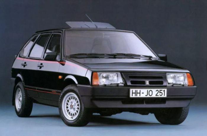 Отечественный Lada Samara, который не отечественный.