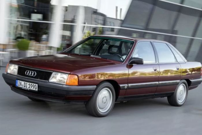 Audi 100 C3 завоевал свое место на рынке.