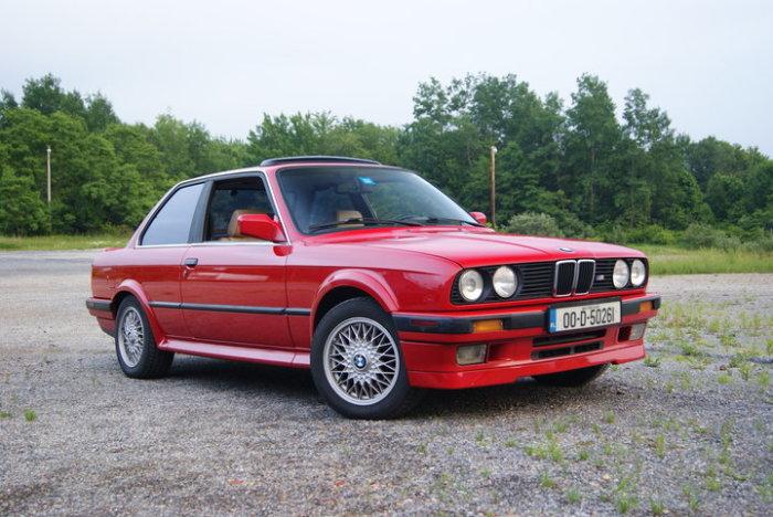 А вот и красавчик BMW 325ix.