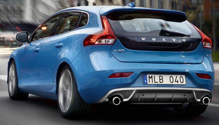 Автомобиль Volvo-V40.