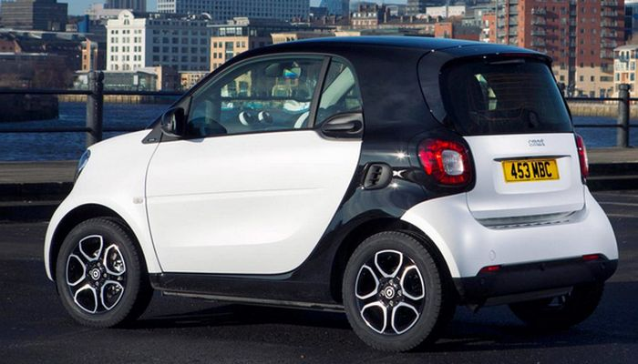 Автомобиль Smart-fortwo.