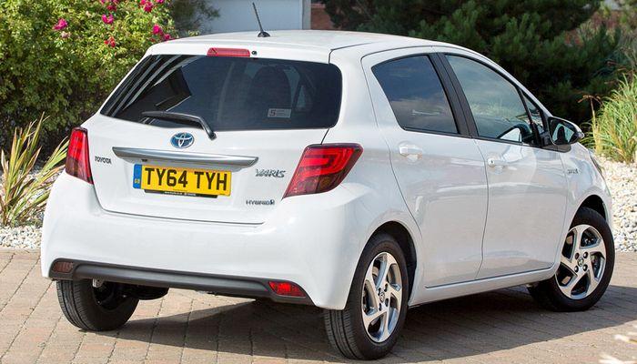 Автомобиль Toyota-Yaris-Hybrid.