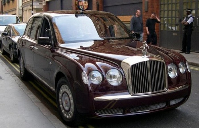Bentley State Limousine.