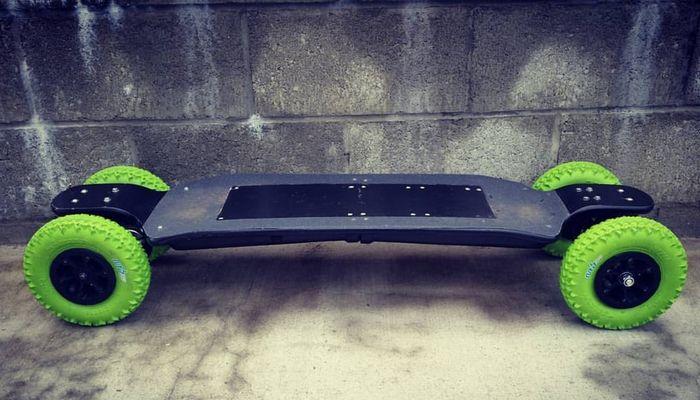 100-сантиметровый скейтборд Carvon, развивающий скорость авто.