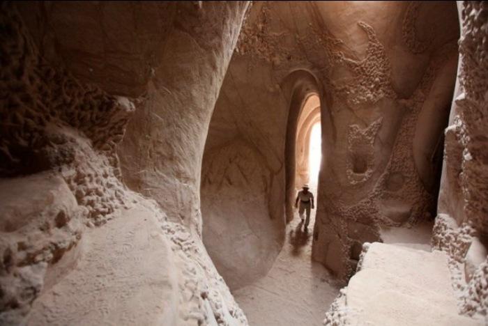 Рукотворные пещеры Ра Полетта.