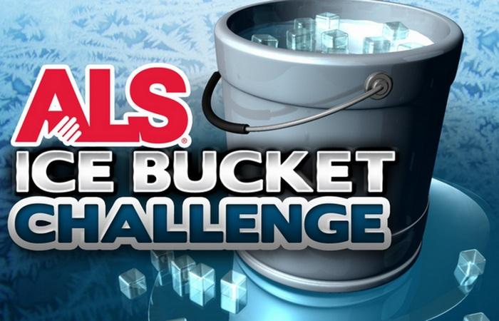 Флэш-моб «Ice Bath Challenge».