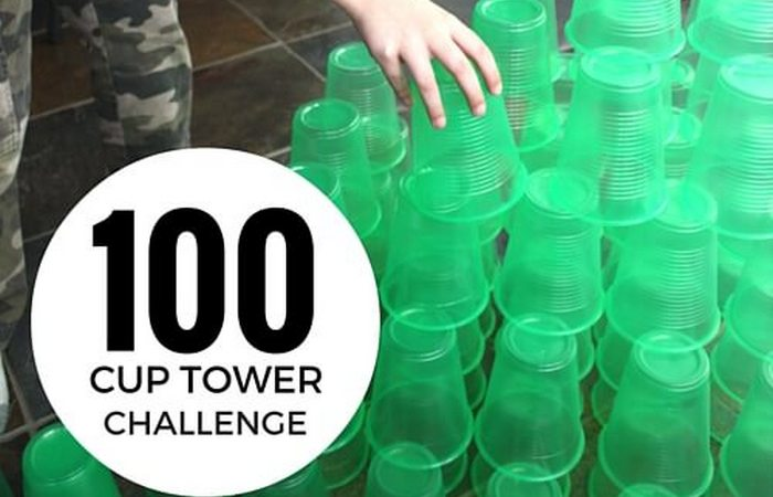 Флэш-моб «Popsicle Stick и Cup Tower Challenge».