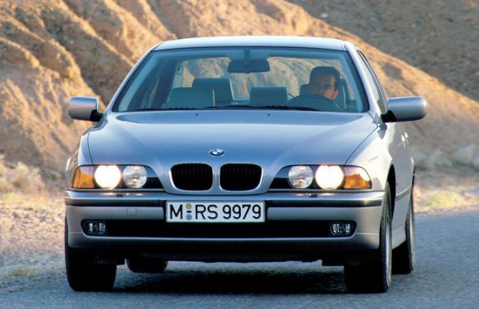 Баварцы, как всегда хороши. Управлять таким BMW  можно было бы и сейчас.