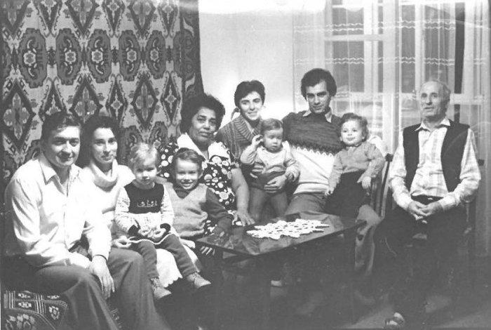 Это семья Абаш, живущая в Абхазии еще со времен Российской Империи, а может и дольше. |Фото: sputnik-abkhazia.ru.