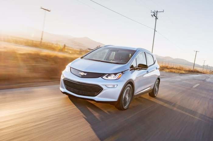 Bolt EV - полность электрическая версия авто от Chevrolet.