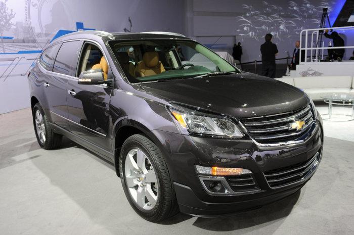 Chevrolet Traverse = кроссовер с современным салоном.