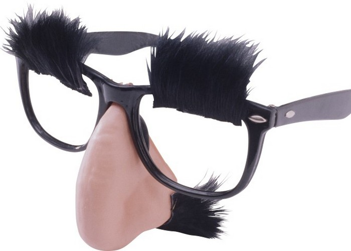 Модная безделушка: очки Граучо.