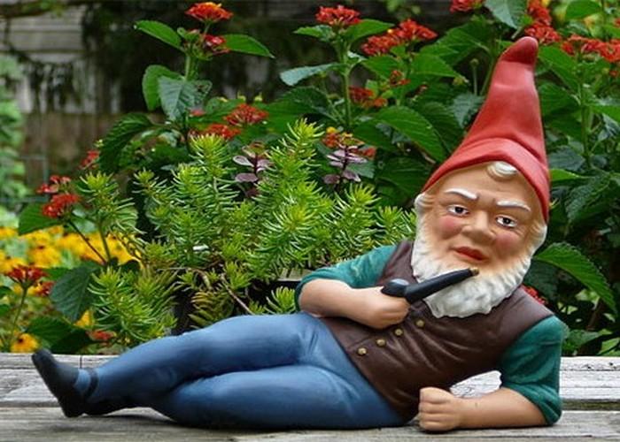 Модная безделушка: садовый гном.