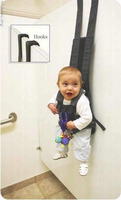 Помочи для фиксации малыша.