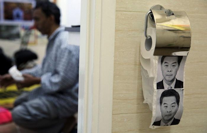 Китайская туалетная бумага с китайским юмором.