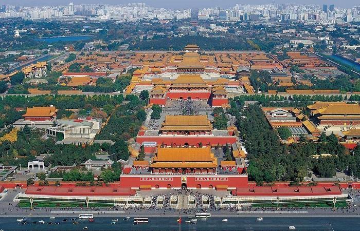 Самый большой дворец в мире.