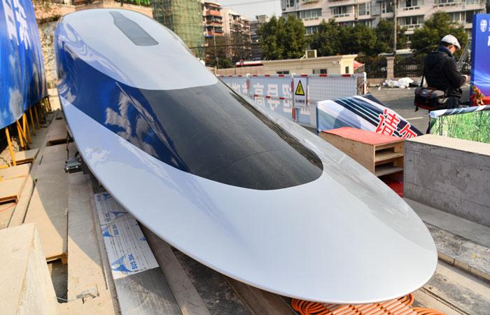Китай показал поезд, разгоняющийся до 1 000 км/ч, который претендует стать самым быстрым в мире