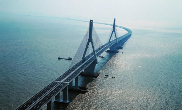 В Китае очень зависят от мостов.