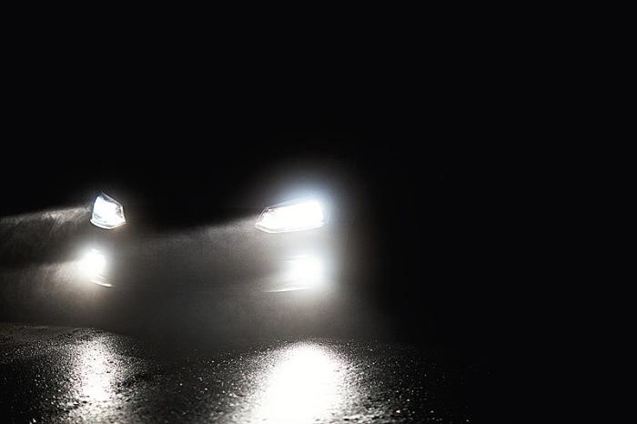 Настройкой нужно заниматься в темноте. |Фото: zoozel.ru.
