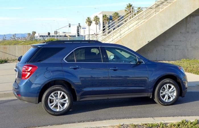 Бюджетный кроссовер Chevrolet Equinox FWD LT[