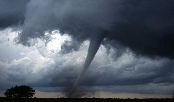 Изменения климата и экстремальные погодные условия.