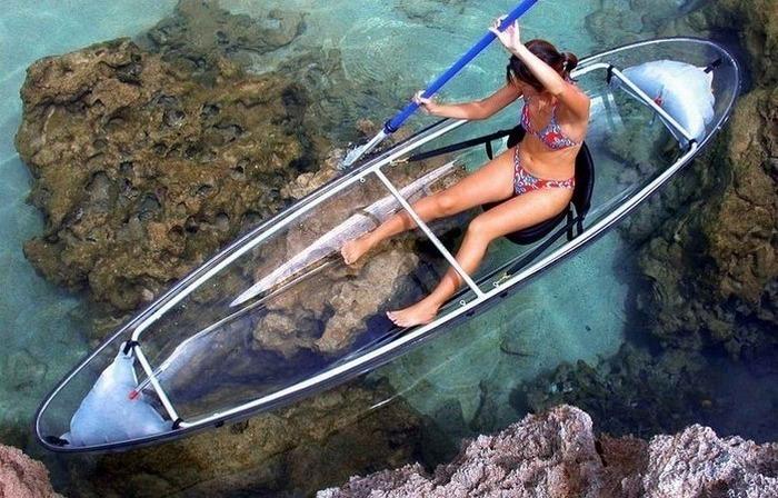 Прозрачная лодка Canoe Kayak Hammacher.