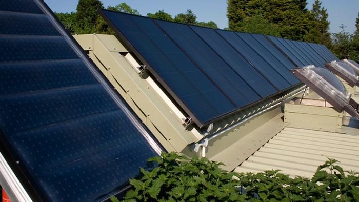 Возобновляемые источники энергии можно устанавливать у себя дома.