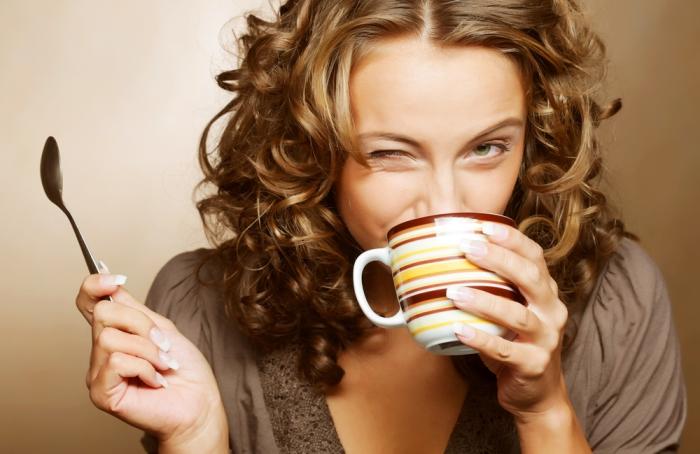 Кофе и красивый цвет волос.